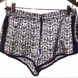 Victoria's Secret Shorts Womens Medium